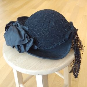 1930's vintage felt hat with bow and fishnet